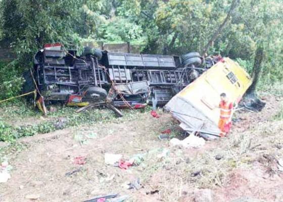 Nusabali.com - bus-terjungkal-7-meninggal-di-tol-cipularang