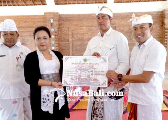 Nusabali.com - tabanan-kembali-serahkan-bantuan-ke-lombok-rp-244-juta