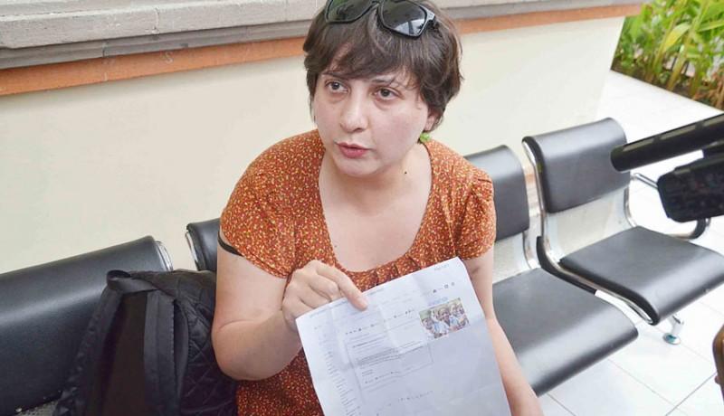 www.nusabali.com-bule-penampar-petugas-imigrasi-menghilang
