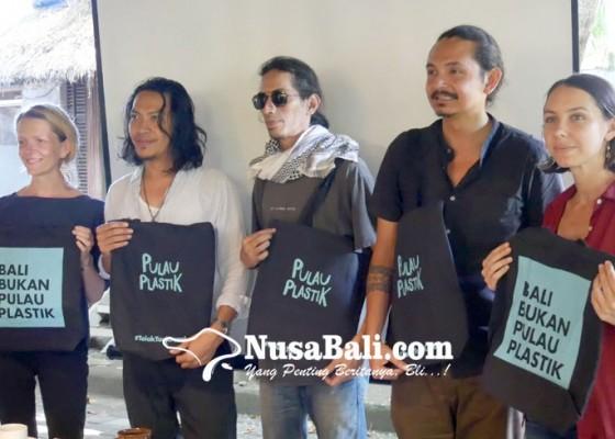 Nusabali.com - gaungkan-bali-bukan-pulau-plastik-melalui-film-dokumenter