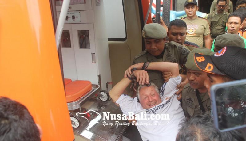 www.nusabali.com-warga-swiss-ngamuk-di-kantor-konsulat