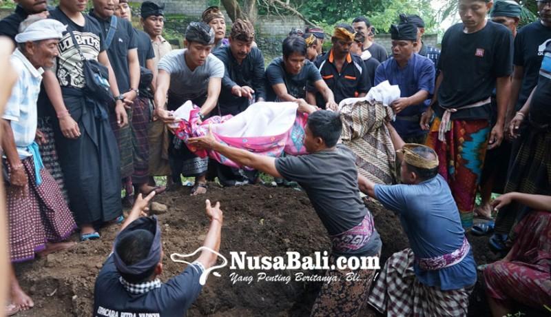 www.nusabali.com-legenda-dikubur-tanpa-kentongan-dan-angklung