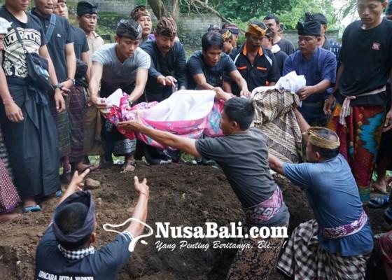 Nusabali.com - legenda-dikubur-tanpa-kentongan-dan-angklung