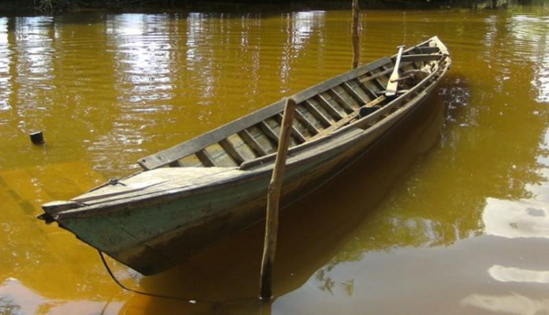 www.nusabali.com-jukung-terbalik-nelayan-selamat