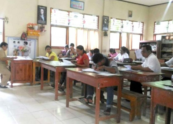 Nusabali.com - 46-warga-ikuti-ujian-paket-b