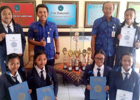 Nusabali.com - awal-tahun-smpn-3-rendang-sabet-7-gelar-juara