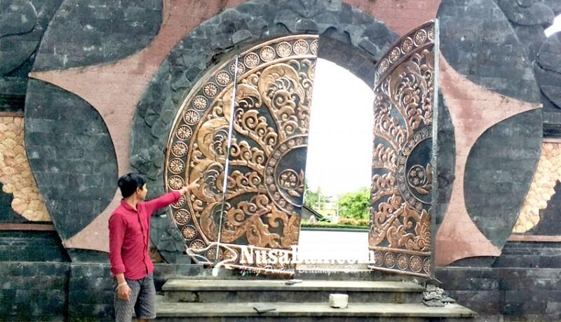 www.nusabali.com-pintu-gerbang-krj-jembrana-nyaris-ambruk