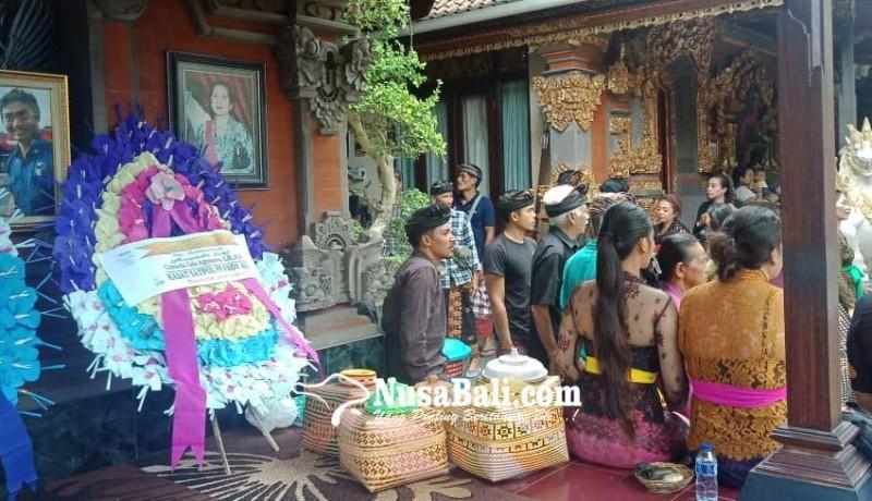 www.nusabali.com-anak-kasatpol-pp-korban-gantung-diri-dikremasi