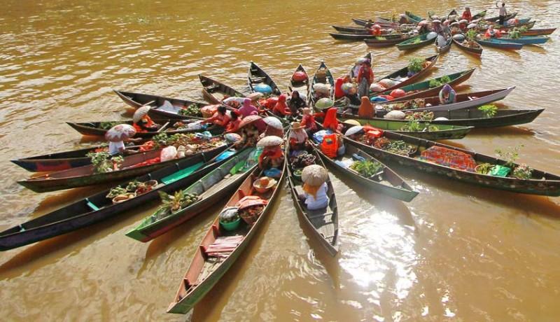 www.nusabali.com-atraksi-pasar-terapung
