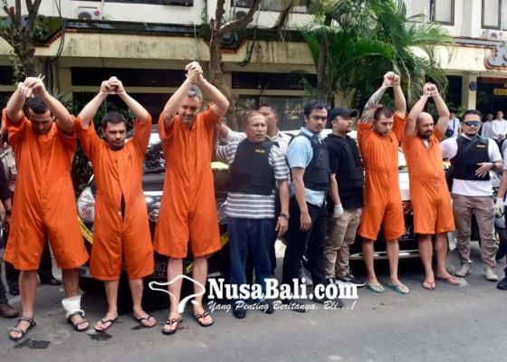 Nusabali.com - bobol-atm-wisatawan-di-bali-5-wna-bulgaria-ditangkap