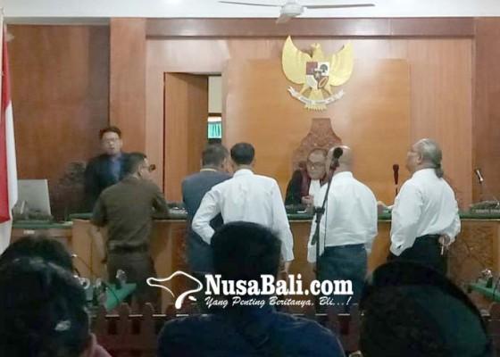 Nusabali.com - pentolan-ormas-disidang-kasus-penggelapan
