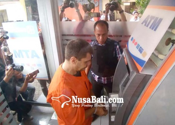 Nusabali.com - lumpuhkan-petugas-kaki-salah-satu-pelaku-didor