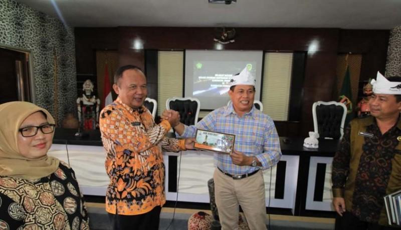 www.nusabali.com-jembrana-belajar-pengembangan-wisata-ke-purwakarta