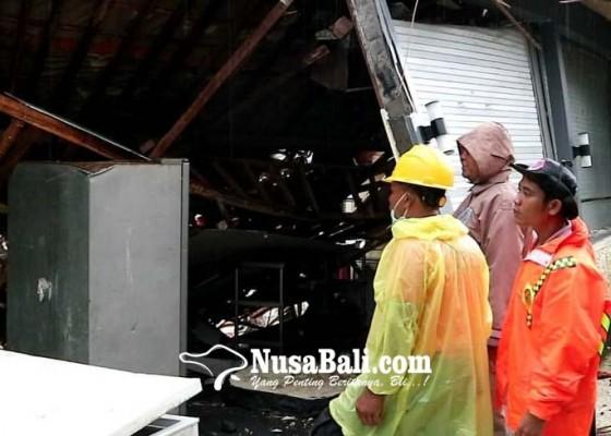 Nusabali.com - diterjang-banjir-dapur-hotel-jebol