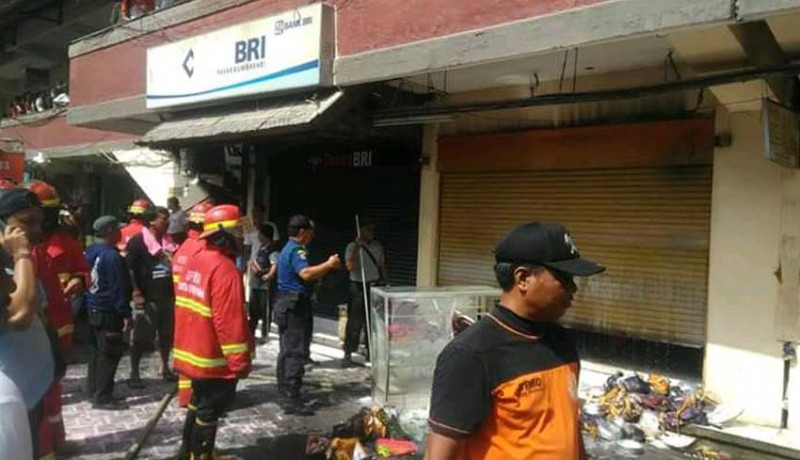 www.nusabali.com-kemarin-toko-tutup-karena-ada-upacara-bpbd-kerahkan-4-mobil-damkar