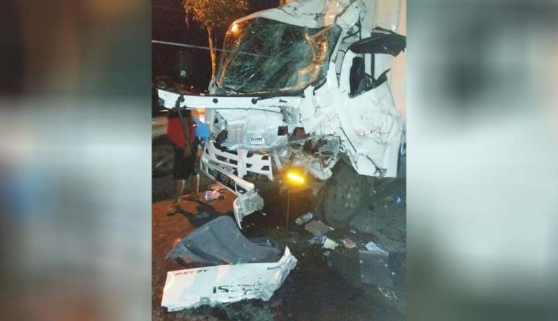 www.nusabali.com-truk-tabrak-truk-dari-belakang-seorang-tewas