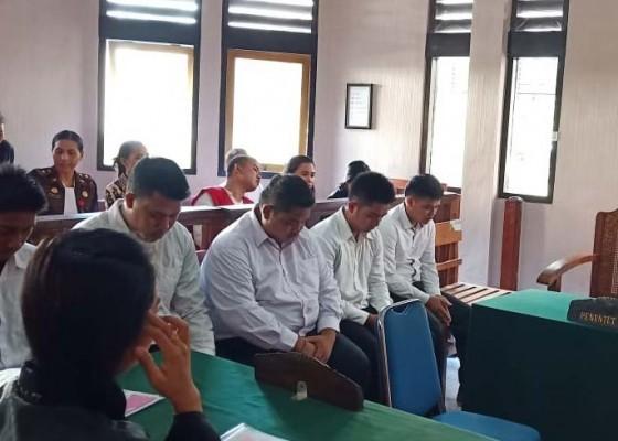 Nusabali.com - lima-pembunuh-dituntut-super-ringan