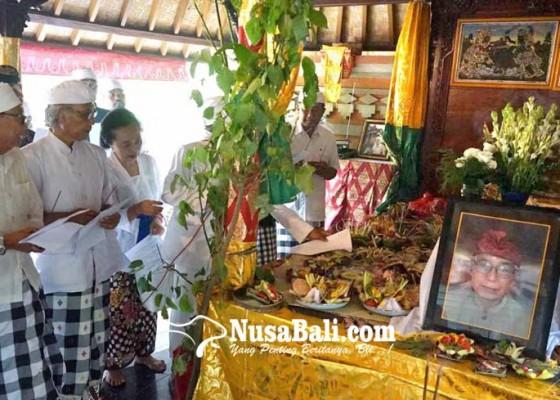 Nusabali.com - tutup-usia-setelah-39-tahun-ketua-pgsdt