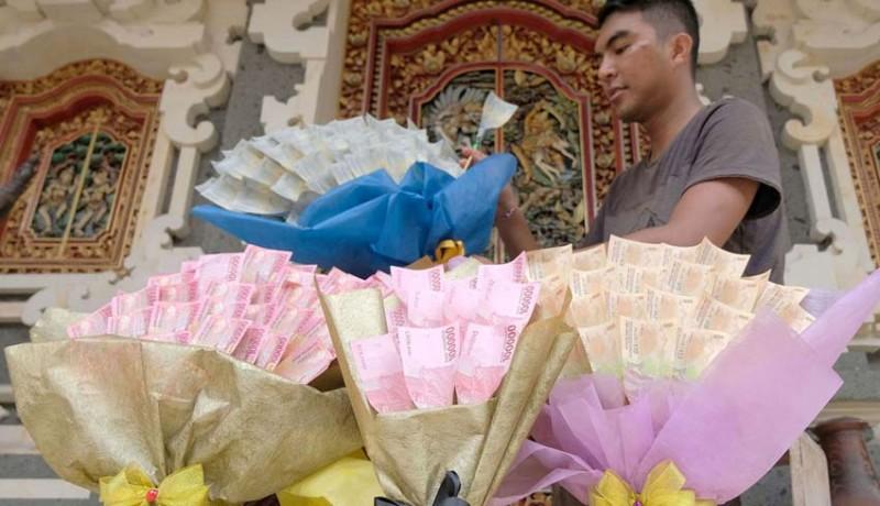 www.nusabali.com-buket-uang-jadi-tren-baru-untuk-valentine