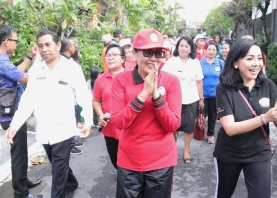 Nusabali.com - dukung-program-nangun-sat-kerthi-loka-bali-putri-koster-sosialisasikan-hatinya-pkk-di-denpasar