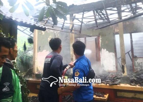 Nusabali.com - diduga-korsleting-listrik-bale-daja-ludes-terbakar