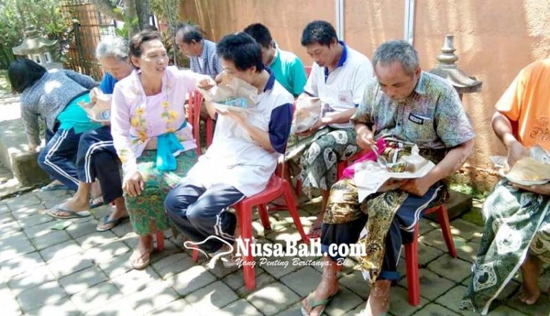 www.nusabali.com-eks-odgj-dan-lansia-di-tabanan-rayakan-hari-kasih-sayang
