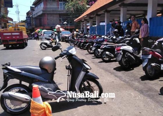 Nusabali.com - tata-parkir-pasar-badung-pd-parkir-terapkan-berbasis-it