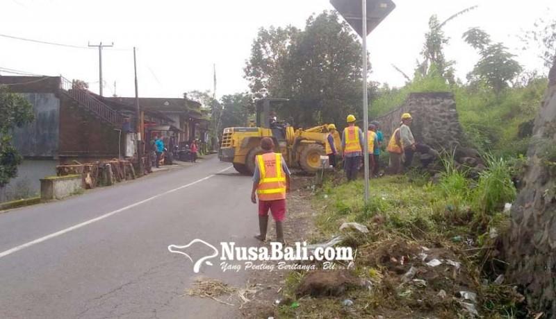 www.nusabali.com-dinas-pupr-bali-bersihkan-sisa-material-proyek