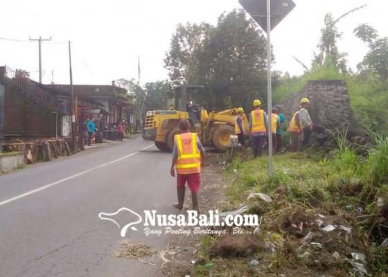 Nusabali.com - dinas-pupr-bali-bersihkan-sisa-material-proyek