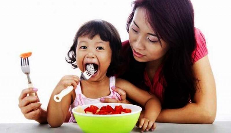 www.nusabali.com-kesehatan-jangan-paksa-anak-makan