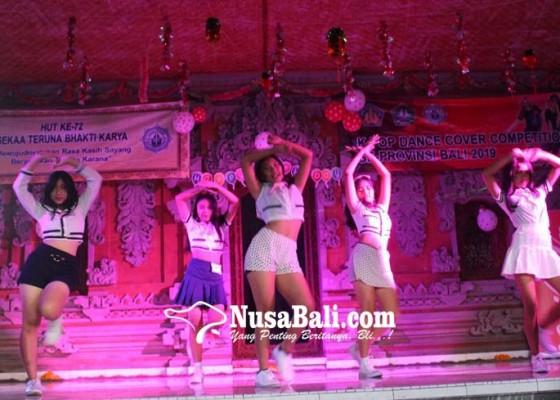 Nusabali.com - penampilan-peserta-k-pop-competition-mengundang-decak-kagum