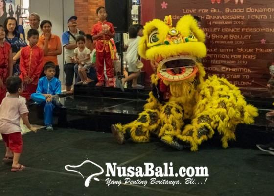 Nusabali.com - puluhan-penari-ballet-dan-wushu-cilik-ramaikan-panggung-plaza-renon