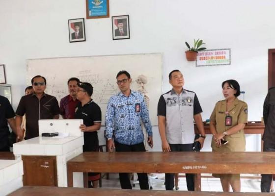 Nusabali.com - komisi-iv-dprd-badung-kunjungi-smpn-1-petang