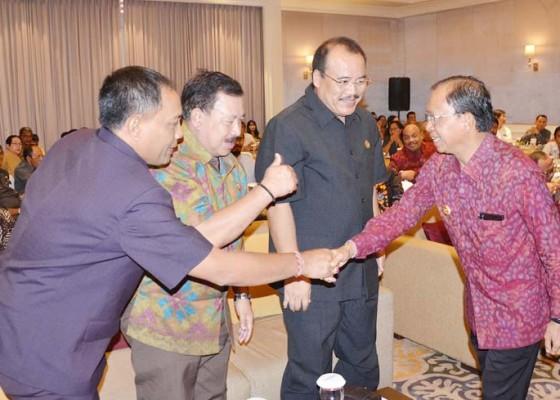 Nusabali.com - apresiasi-sehatnya-ekonomi-bali-gubernur-tetap-harapkan-terobosan-baru-sumber-pad