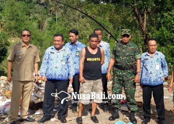 Nusabali.com - sampah-tps-liar-jembatan-busungbiu-meluber