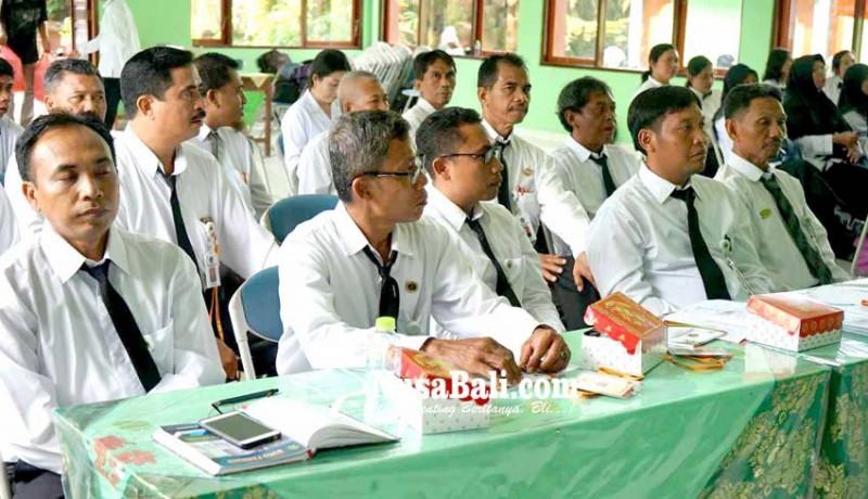 www.nusabali.com-guru-agama-harus-bersih-narkoba