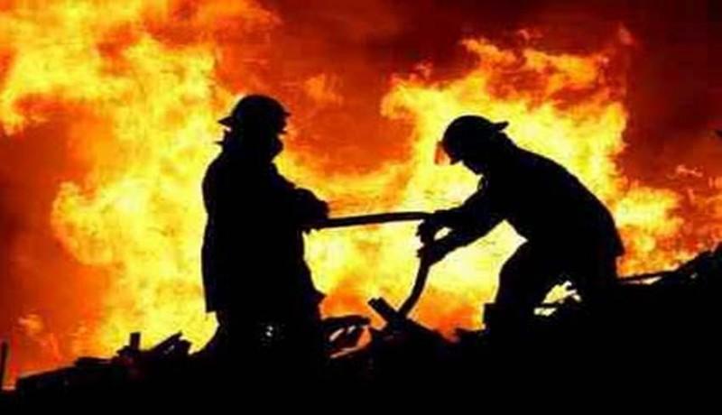 www.nusabali.com-api-robohkan-5-gudang-di-kawasan-industri-maspion