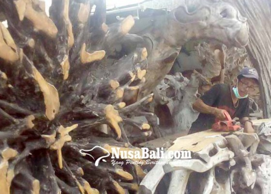 Nusabali.com - kerajinan-akar-kayu-makin-antik-makin-mahal