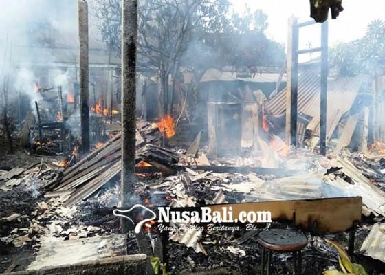 Nusabali.com - 60-kamar-kos-bedeng-terbakar