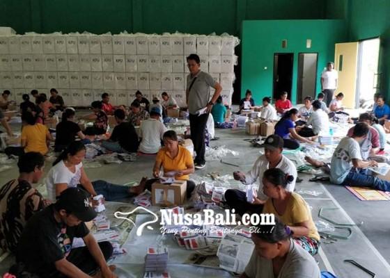 Nusabali.com - pelipatan-hari-pertama-164-surat-suara-rusak