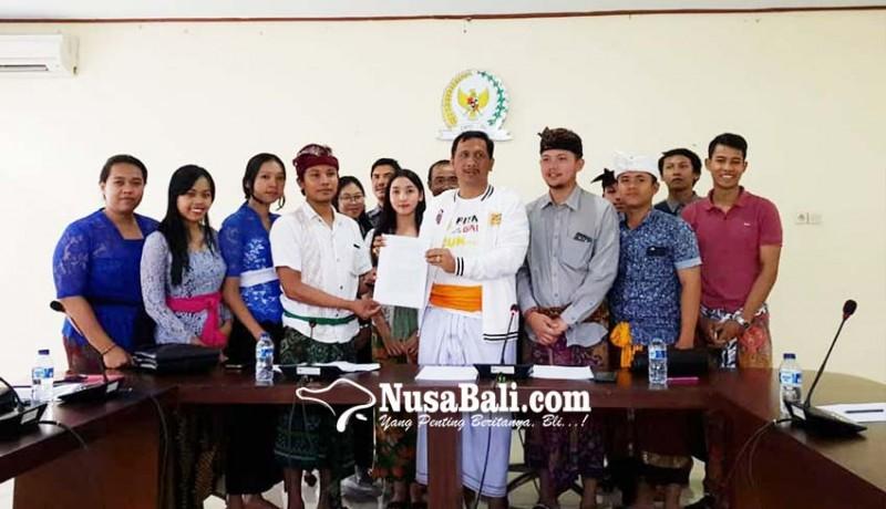 www.nusabali.com-anak-ashram-mengadu-ke-dpd-ri