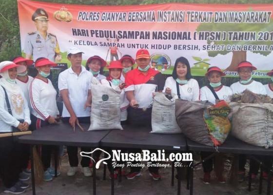 Nusabali.com - polisi-bersihkan-tpa-temesi