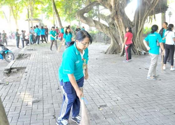 Nusabali.com - tiap-hari-66-ton-sampah-masuk-tpa-mandung