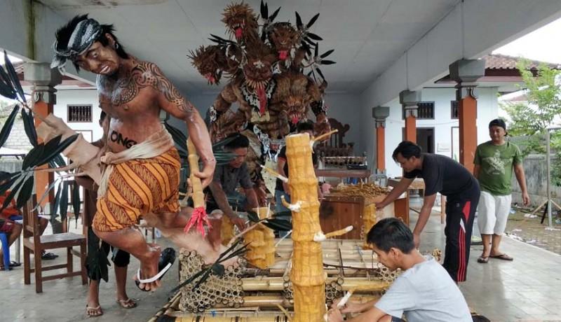www.nusabali.com-disusun-dari-100000-keping-kulit-bambu-habiskan-12-kilogram-lem