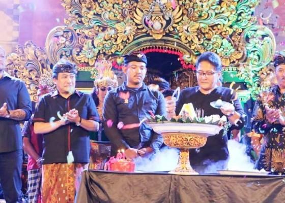Nusabali.com - bupati-giri-prasta-hadiri-perayaan-hut-ke-19-st-kumara-chanti
