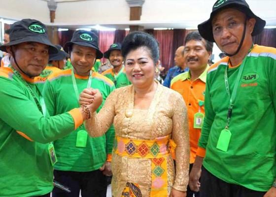 Nusabali.com - pengukuhan-relawan-rapi