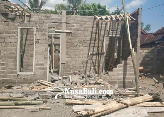 Nusabali.com - pamangku-tewas-tertimpa-beton