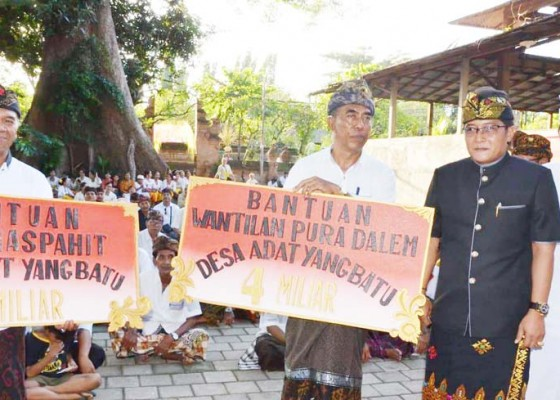 Nusabali.com - bupati-giri-prasta-kucurkan-dana-hibah-rp-5-m-untuk-desa-adat-yangbatu-denpasar