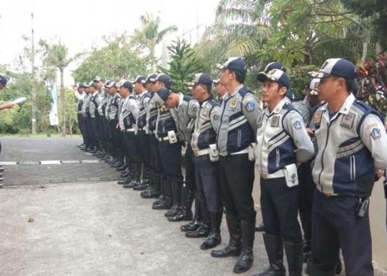 Nusabali.com - disbud-badung-kerahkan-170-personel-bantu-atur-lalin