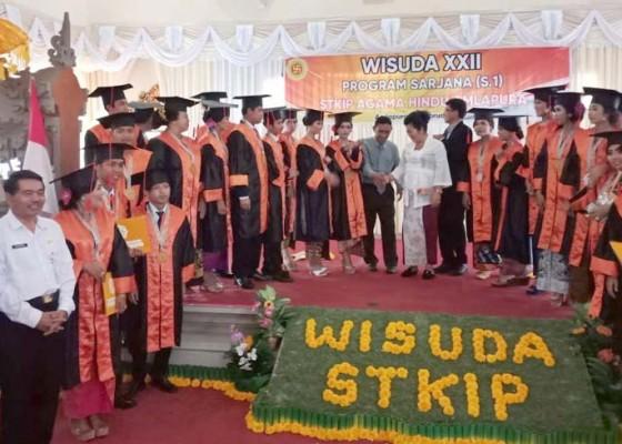 Nusabali.com - bupati-mas-sumatri-hadiri-wisuda-stkip-agama-hindu